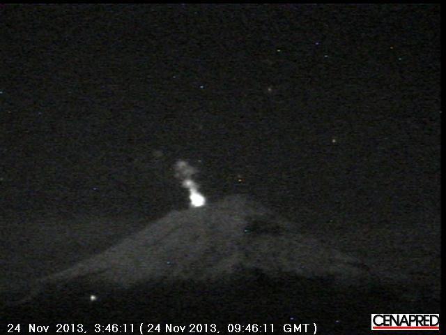 Popocatépetl this morning (CENAPRED webcam)