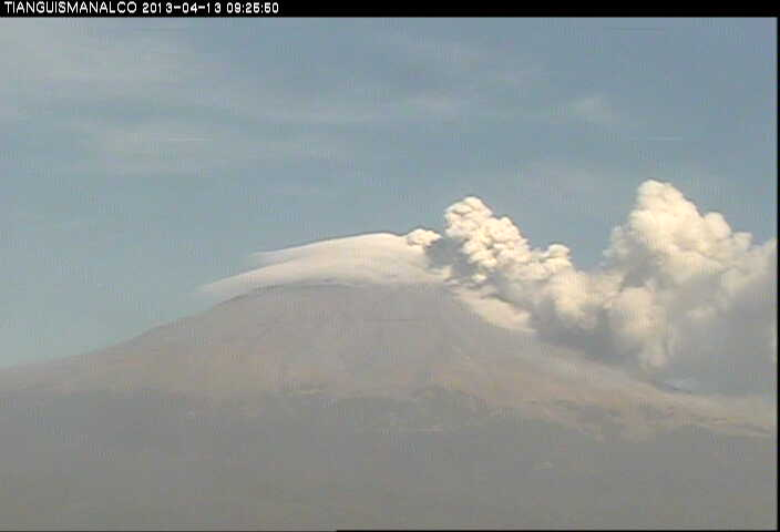 Current webcam image of Popocatépetl seen from the south (CENAPRED)