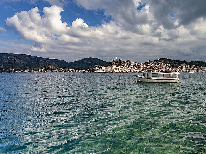 The sea between Peloponnese and Poros island. (c) Tobias Schorr