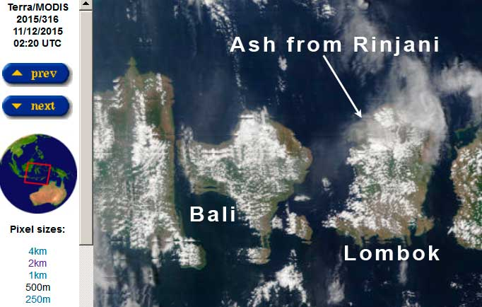 Ash plume from Rinjani this morning (Terra satellite / NASA)