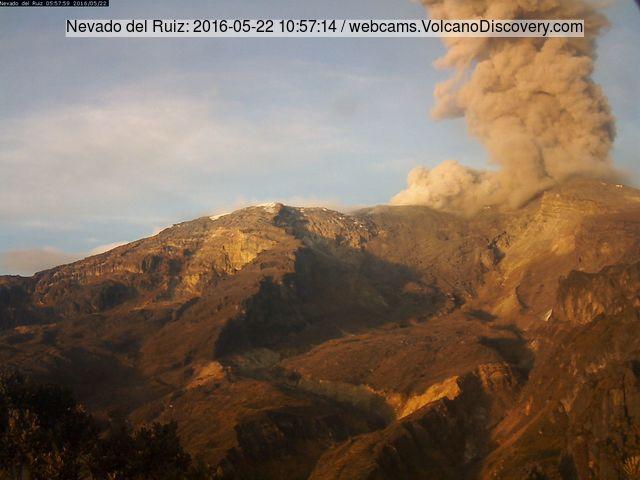 Ash emission from Nevado del Ruiz yesterday