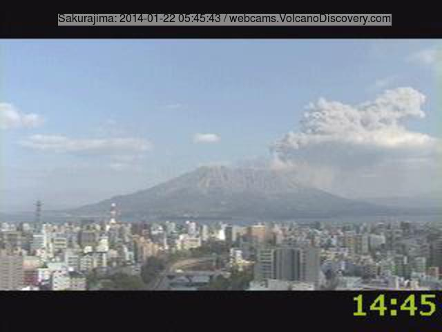 Medium-sized explosion from Sakurajima this morning