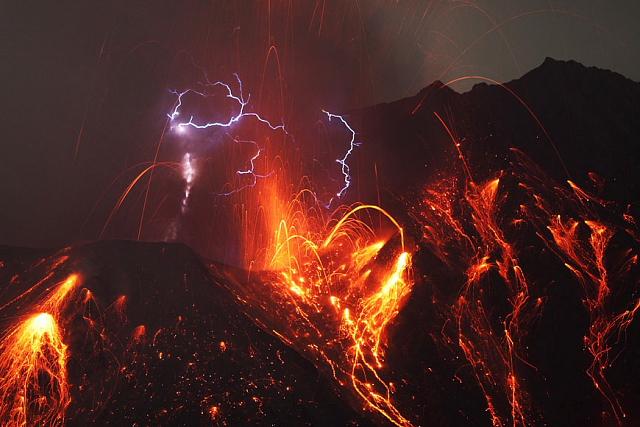 Powerful explosion with lightning in ash cloud from Sakurajima volcano, Japan