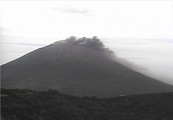 Ash emissions from Chaparrastique volcano yesterday (MARN)