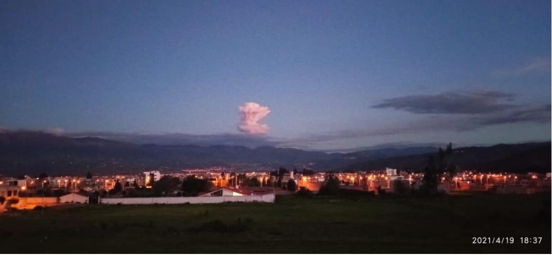 Eruption column from Sangay volcano on 19 April (image: IGEPN)