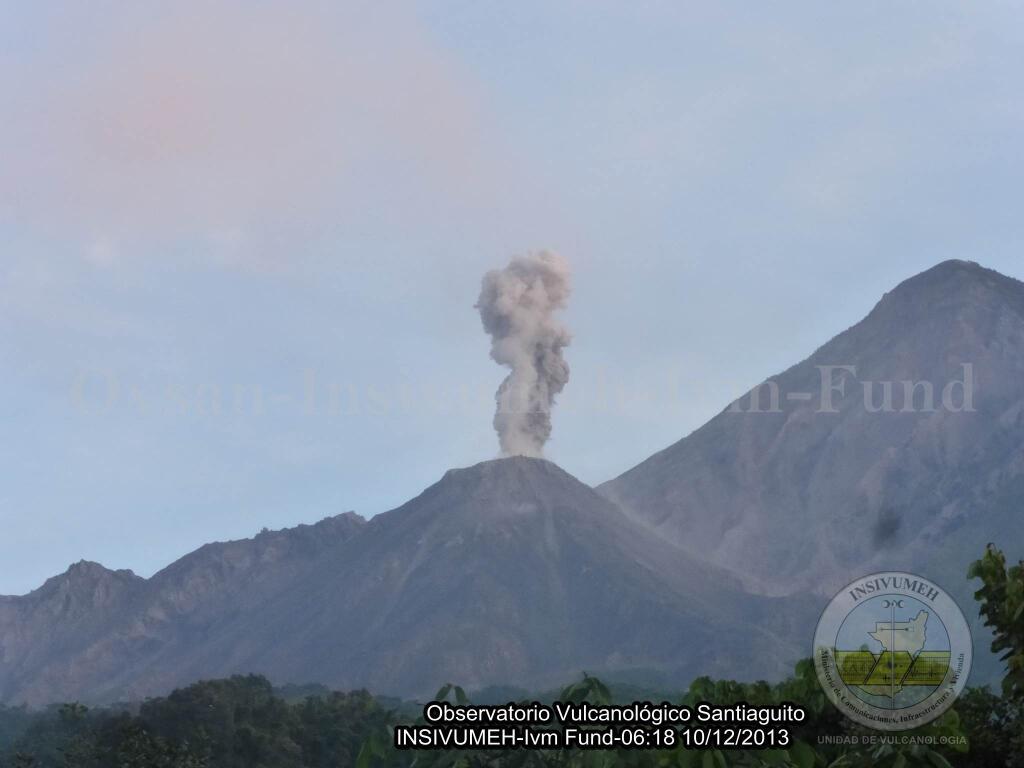 Explosion at Santiaguuito this morning