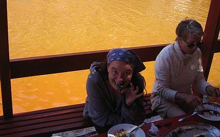 Mittagessen auf Palia Kameni (1)
