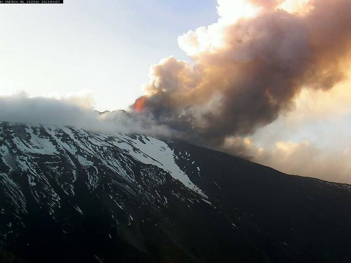 View from Schiena dell'Asino (Etra Trekking webcam)
