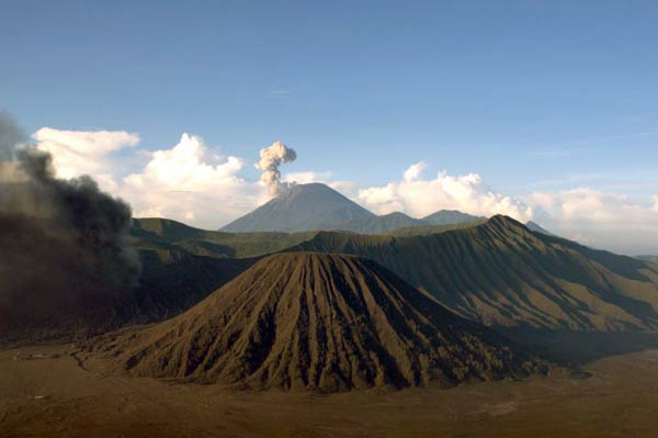 Semeru on the morning of 13 May (photo: Andi Rosati)