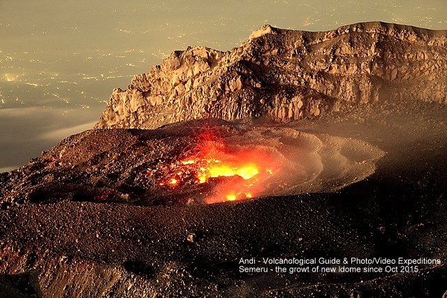The active lava dome inside Semeru's crater in early Nov 2015 (image: Andi / VolcanoDiscovery Indonesia)