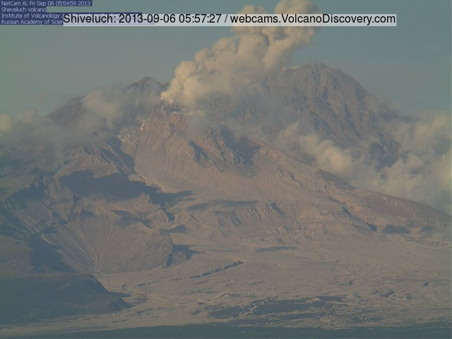 Small ash emission from Shiveluch volcano this morning (KVERT webcam)