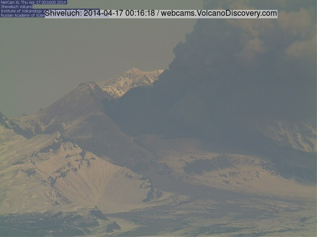 Eruption from Shiveluch volcano this morning (KVERT webcam)
