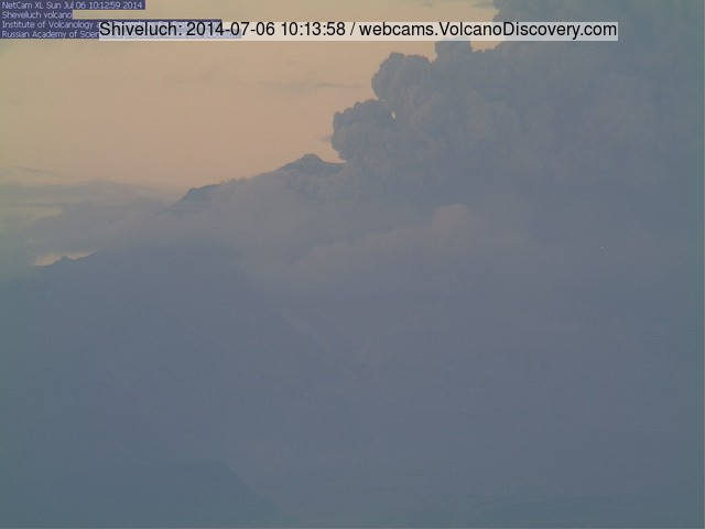 Eruption from Shiveluch volcano yesterday (KVERT webcam)