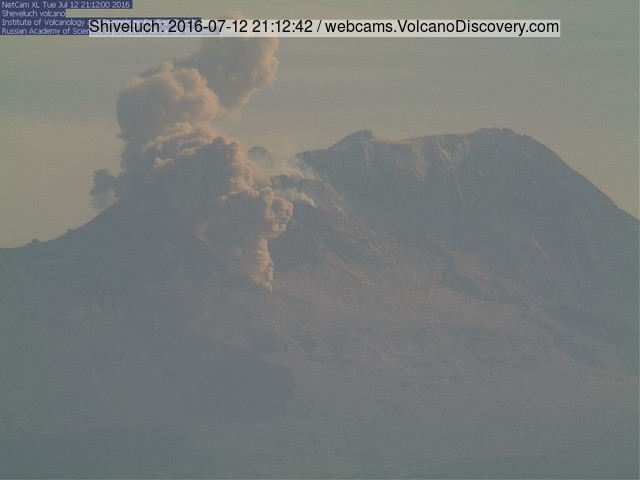 Pyroclastic flow at Shiveluch yesterday evening (KVERT webcam)