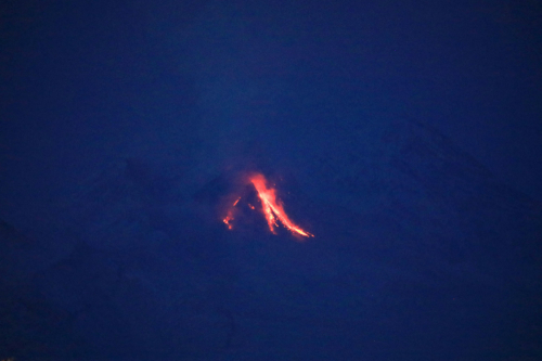 Glowing avalanches from Shiveluch volcano (image: volkstat.ru)