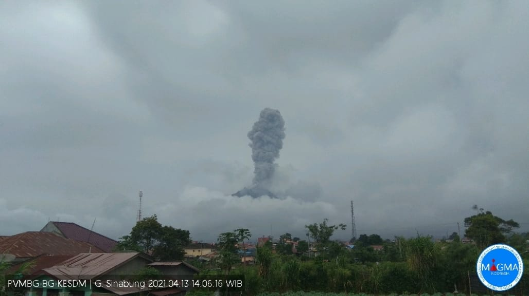 Explosion from Sinabung volcano yesterday (image: PVMBG)