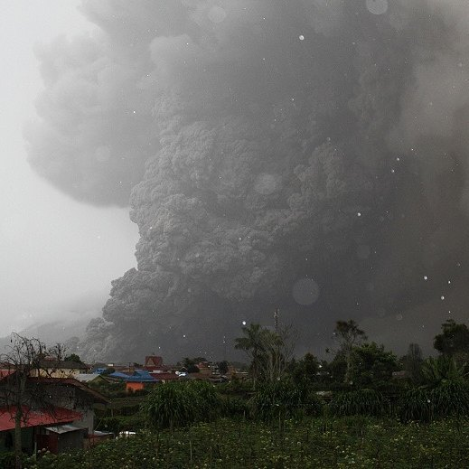 The deadly pyroclastic flow at Sinabung yesterday (image: PVMBG)
