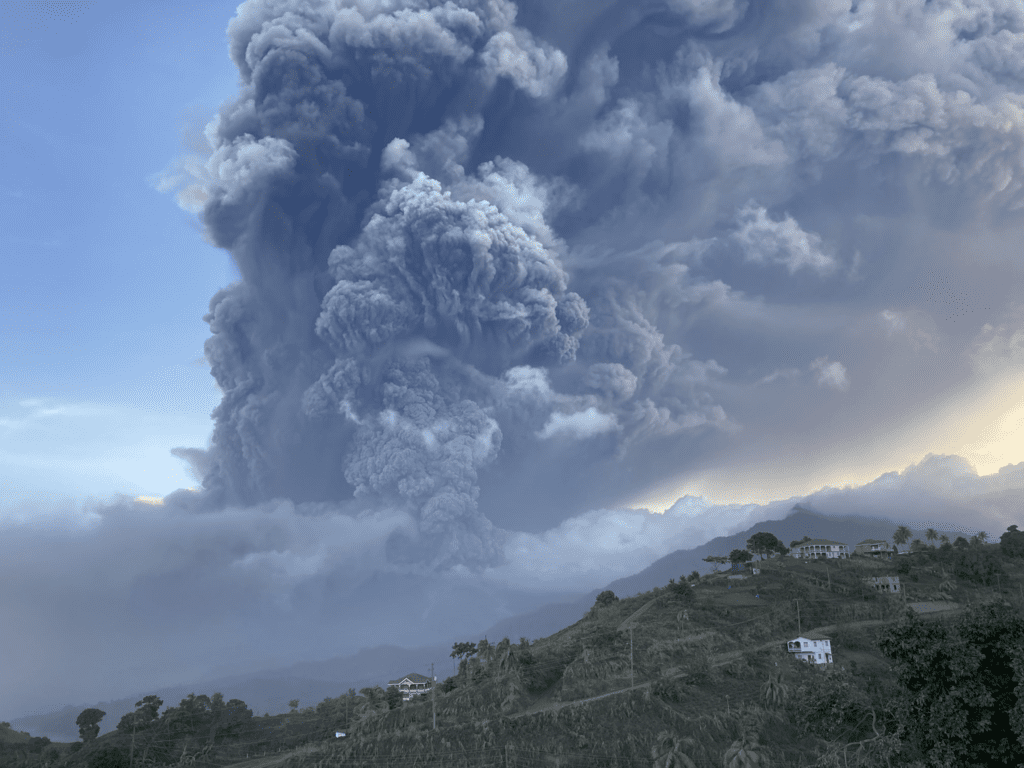 Massive ash cloud from today's volcano explosion (image: @VincieRichie/twitter)
