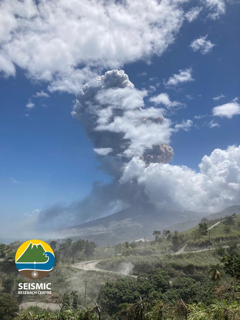 Huge ash column generated from Soufrière St. Vincent volcano yesterday (image: @uwiseismic/twitter)
