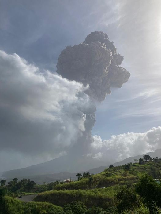 Eruption of Soufriére St. Vincent volcano this morning (image: University of the West Indies)