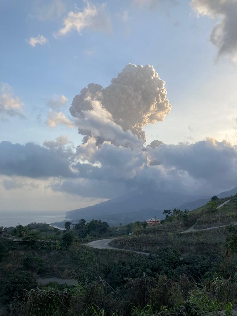 The volcano produced another eruption column this morning (image: @VincieRichie/twitter)