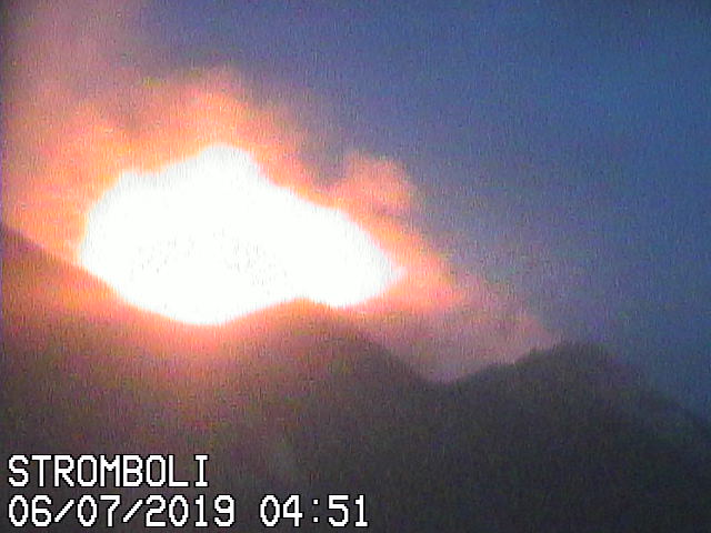 Strombolian eruption this morning from Stromboli's western vent (image: Vulcani a piedi webcam)