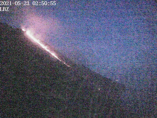 Stromboli volcano with the lava flow early this morning (image: LGS webcam)