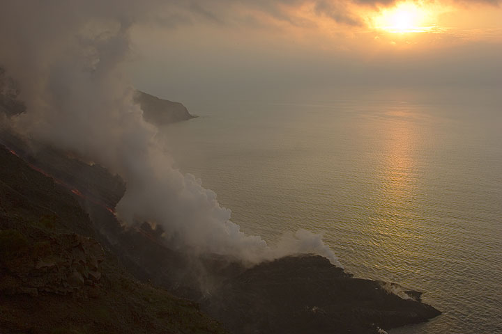 Steam plume and sunset (1)