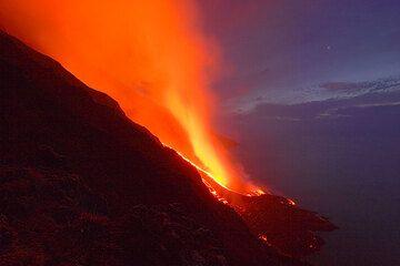 The lava delta at night