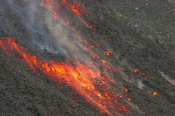 Advancing lava flow (4)