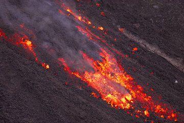 Advancing lava flow (6)