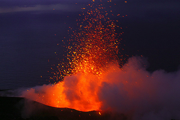 The same eruption moments later (photo: Karen)