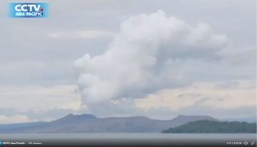 Sulfur dioxide (SO2) emissions from Taal volcano today (image: @CCTVAsiaPacific/twitter)