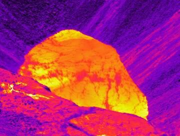 Thermal image of the lake at the summit of Kīlauea taken on 31 July (image: HVO)