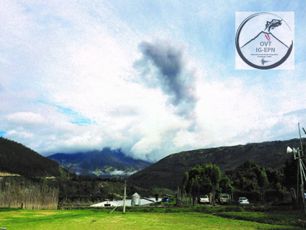 Ash emission of Tungurahua volcano last Sunday (photo: P. Espín OVT/IG-EPN)