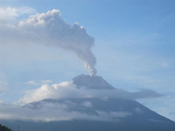 Eruptive column above Tungurahua volcano reaching about 2 km height and heading towards the northeast. March 26, 2012, 09:30 (local time), L. Troncoso - IGEPN