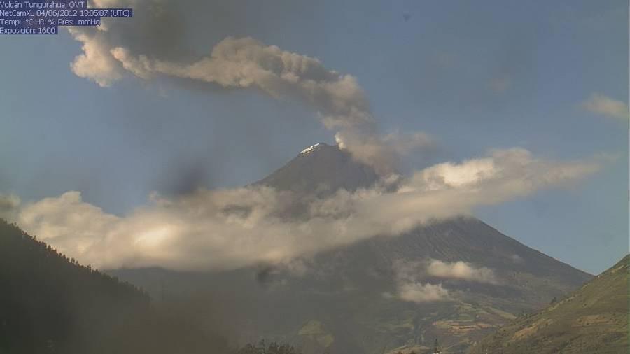 Ash pluim van de Tungurahua op 4 juni 2012 (IG)