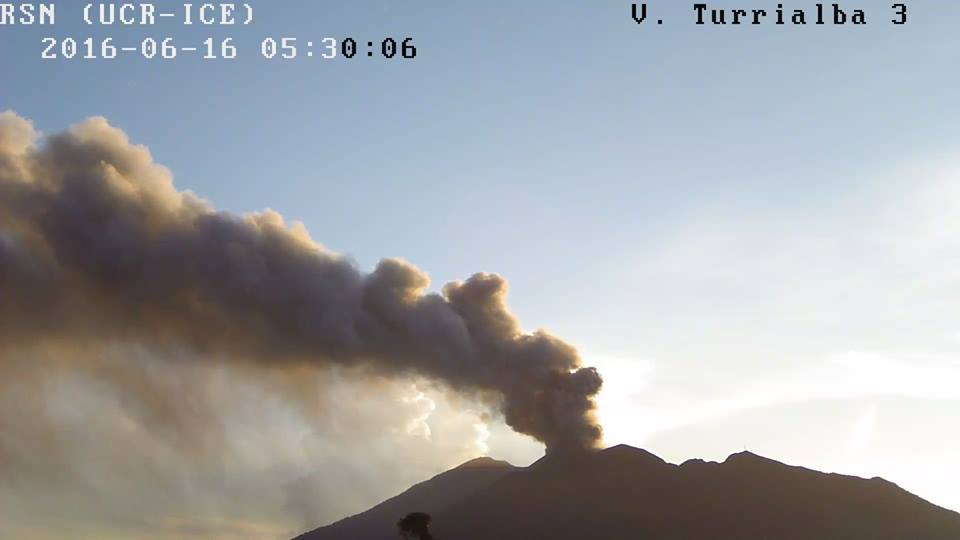 Ash plume from Turrialba volcano today (RSN)
