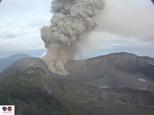 Ash emission from Turrialba yesterday morning (RSN)