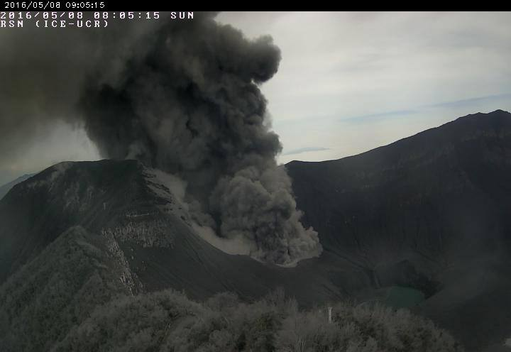 Ash emissions from Turrialba yesterday morning (RSN)