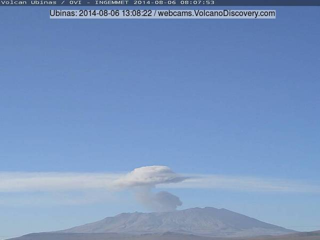 Small eruption at Ubinas volcano this morning
