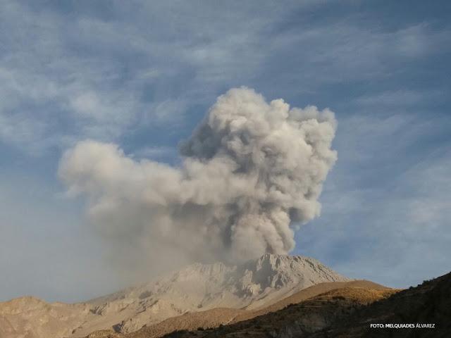 Eruption of Ubinas on 3 Oct 2016