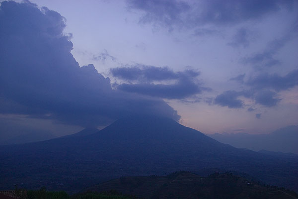 Muhavura volcano in the evening light
