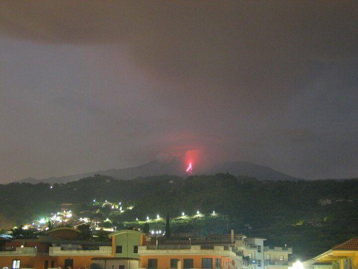 Lava flow from Etna's New SE crater this evening (Osservatorio Meteorologico Nunziata webcam)