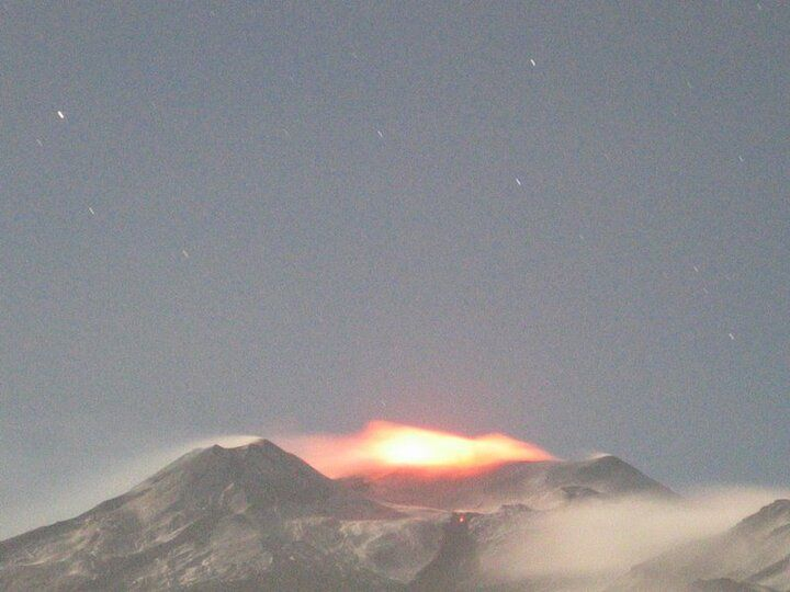 Intense glow from Etna's Voragine where lava fountaining seems to have started