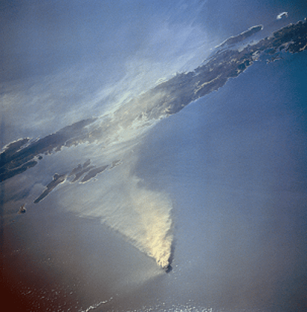 An ash plume from Barren Island volcano (image: @georgetgeorge/twitter)