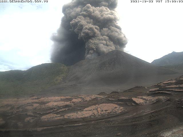 Yesterday's eruption of Yasur (image: Geohazards webcam)