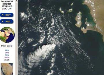 Steam plume from Zubair in the Red Sea on Tuesday (8 Oct)