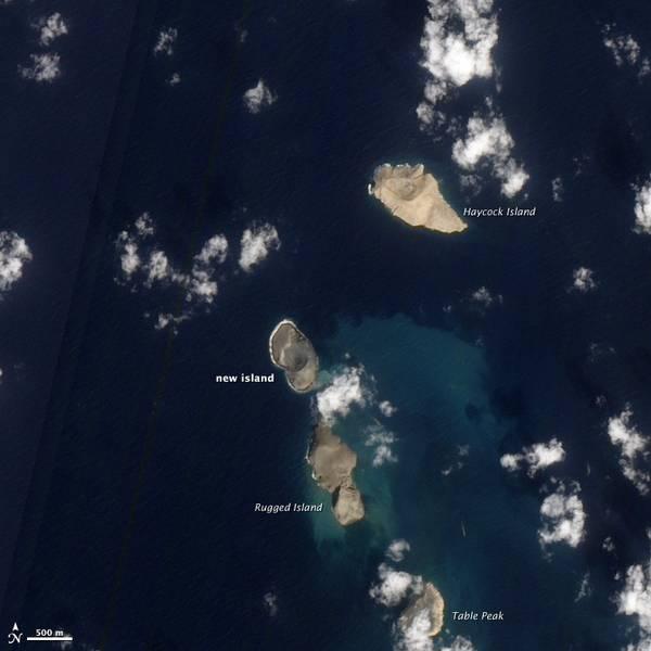 De nieuwe island gezien op 15 januari 2012 (NASA Earth Obbservatory)