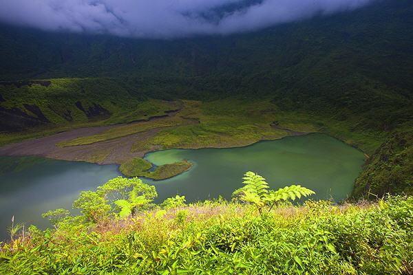 Galunggung volcano (photo: Roland Gerth)